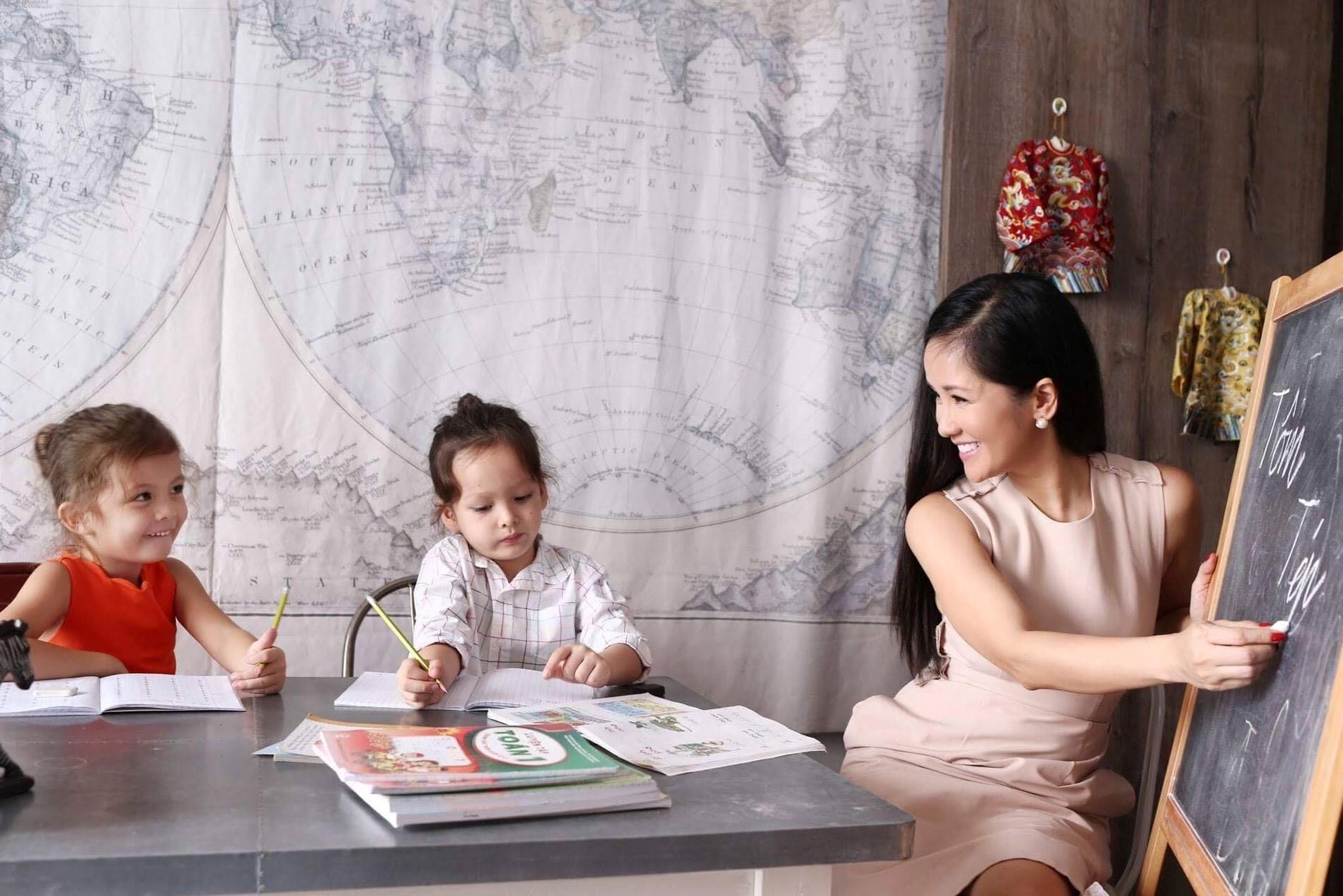 Sau nửa năm ly hôn, Hồng Nhung đã chứng minh 'bản lĩnh thép', đứng lên từ chính sự đổ vỡ 1