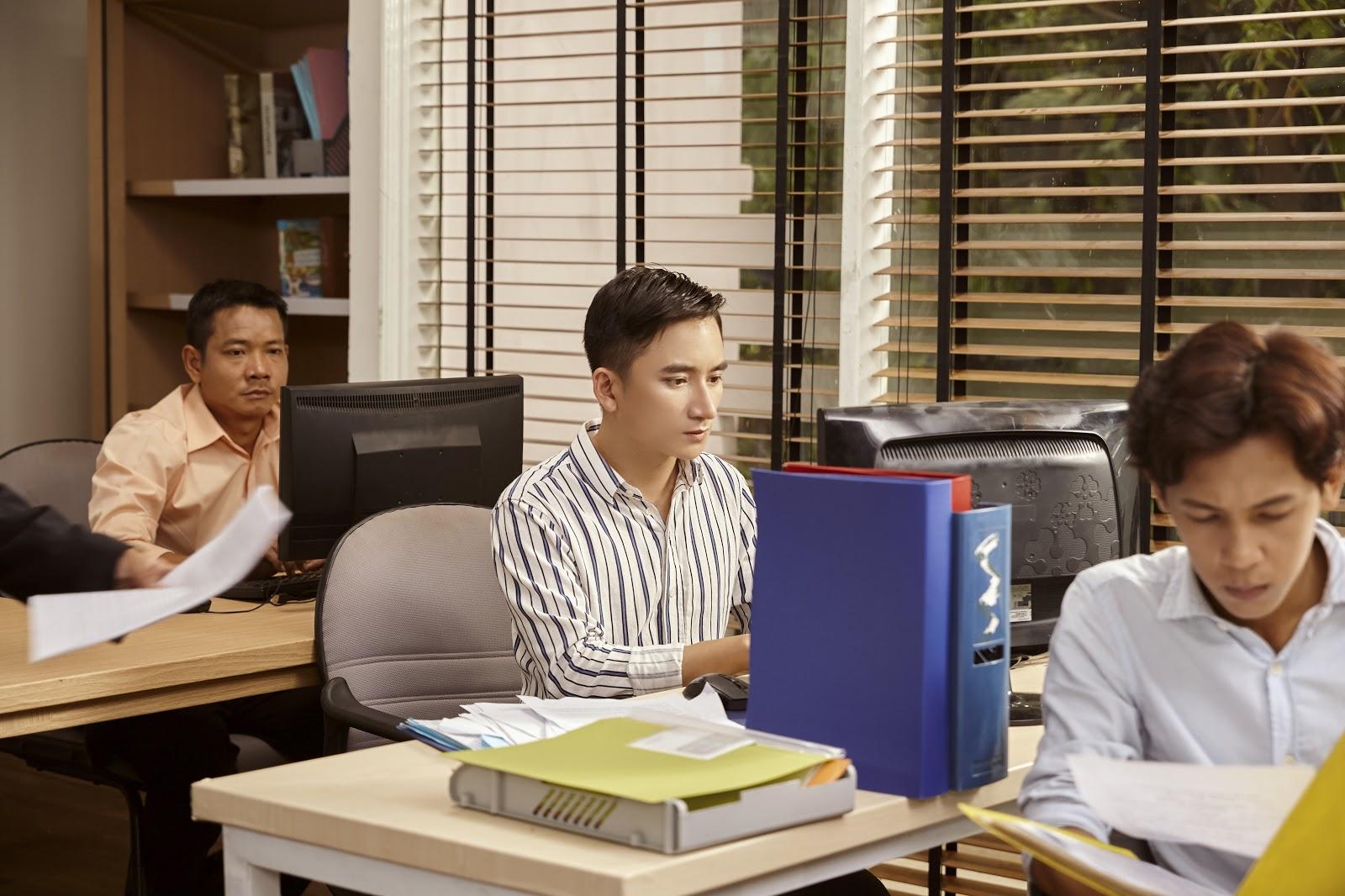 Phan Mạnh Quỳnh trình làng MV mới, dân mạng tiết lộ điều bất ngờ 1