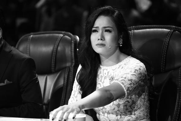 Nhật Kim Anh sau khi ly hôn lại tiếp tục suy sụp, khóc hết nước mắt vì chuyện này 1