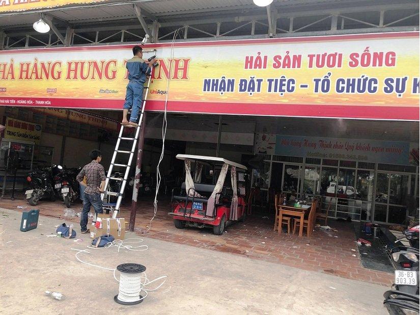 Hàng chục cảnh sát được huy động trấn áp nhóm côn đồ đập phá nhà hàng ở biển Hải Tiến 2